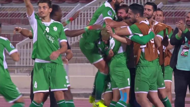 No país, o Campeonato Libanês conta com 12 clubes, sendo os principais deles o Al Ahed, Al Ansar (foto) e Nejmeh. O maior campeão é o Al Ansar, com 13 (sendo 11 títulos seguidos), seguido pelo Nejmeh, com oito. O atual tricampeão é o Al Ahed, que teria estreitas relações com o Hezbollah, movimento armado xiita, segundo a imprensa internacional.