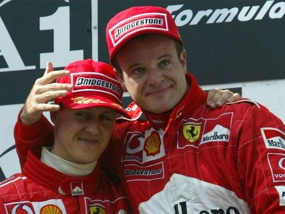 No pódio, Schumacher chamou o brasileiro para o degrau mais alto
