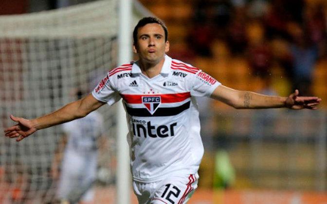 No primeiro jogo oficial pelo São Paulo, gol contra o Mirassol e o aumento da expectativa da torcida sobre o atacante, que já chegou no novo clube fazendo aquilo que se espera dele.