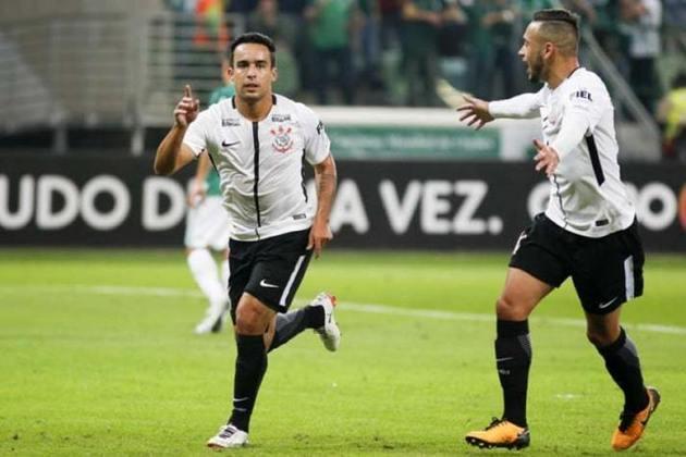 No primeiro turno do Campeonato Brasileiro, Jadson, de pênalti, e Guilherme Arana, marcaram os gols do Corinthians na vitória por 2 a 0, no Allianz Parque.