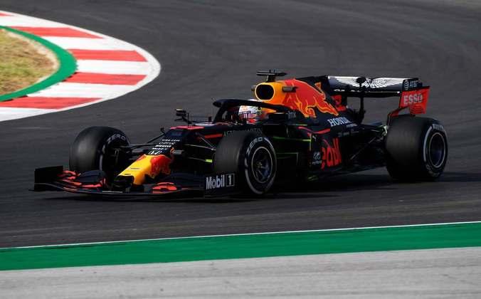 No rádio, Verstappen mostrou irritação com o acidente e xingou o canadense