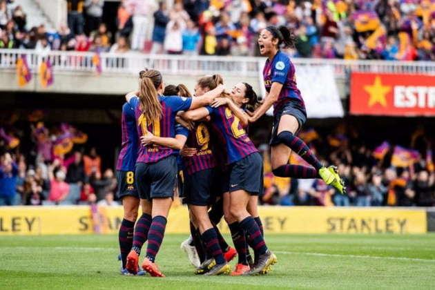 No sábado, a Real Federação de Futebol da Espanha (Rfef) decretou o encerramento de todos os torneios amadores disputados por pontos corridos organizados pela entidade. Com o fim das competições, o Barcelona conquistou o título da liga feminina na temporada. Além disso, a entidade anunciou que não haverá rebaixamentos nos campeonatos que coordena.