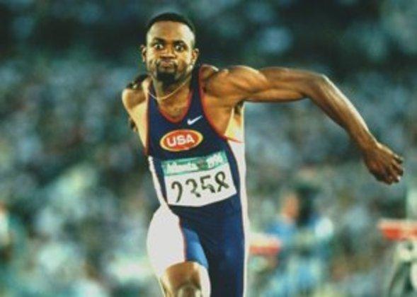 No salto triplo, o recorde olímpico pertence a Kenny Harrison. O atleta dos Estados Unidos saltou 18.09 metros na edição de Atlanta 1996, em solo pátrio, e entrou para a história.