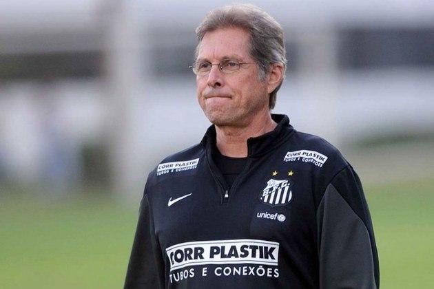 No Santos, Oswaldo teve boa passagem. Foi vice-campeão paulista em 2014. Treinou o time também em 2005.
