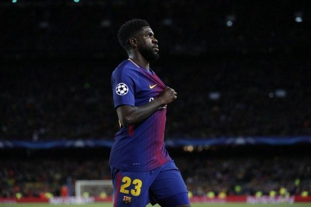 No segundo dia de retorno dos treinos, o zagueiro Samuel Umtiti, do Barcelona, sofreu uma lesão na panturrilha direita durante as atividades deste sábado, conforme comunicado pelo clube em suas redes sociais.