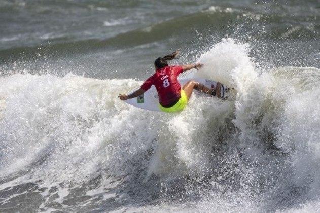 No surfe feminino, Silvana Lima foi eliminada pela norte-americana Carissa Moore, dona de quatro títulos mundiais. Sendo assim, o Brasil se despediu sem medalhas do surfe feminino, já que Tatiana Weston-Webb caiu nas oitavas de final.