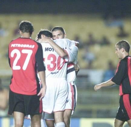 No torneio Rio-São Paulo de 2001, o Flamengo estava no grupo de seus rivais Vasco, Fluminense e Botafogo, e fez uma campanha pífia com quatro derrotas em quatro jogos, sofrendo 10 gols e marcando apenas 3.