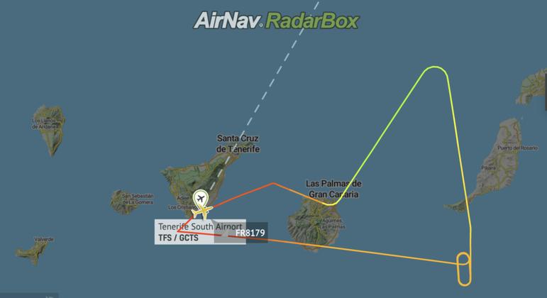 No traço colorido, o desvio feito pelo Ryanair: manobra evasiva para evitar cinzas do vulcão