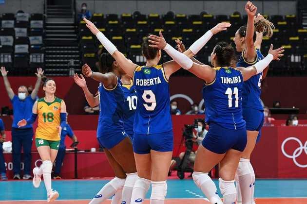 No vôlei, Brasil venceu a Sérvia por 3 sets a 1 (com parciais de 20/25, 16/25, 25/23 e 19/25) e assumiu a liderança do Grupo A da Olimpíada de Tóquio. A Seleção Brasileira jogou bem e não se intimidou diante da atual campeã mundial de vôlei.