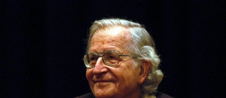 Noam Chomsky é um dos intelectuais de esquerda mais respeitados internacionalmente