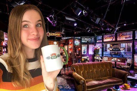 Noelle Sheldon no café fictício de 'Friends'