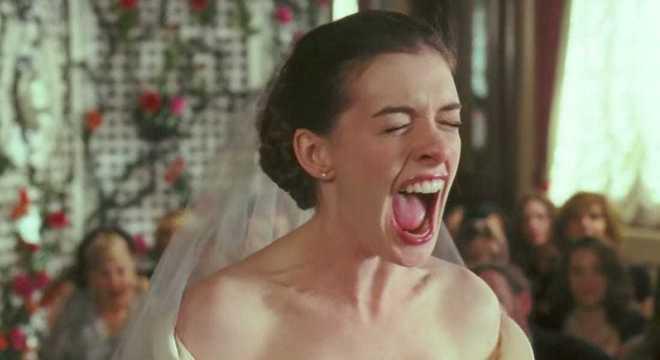 Confusão começou quando namorada do pai da noiva resolveu ir ao casamento de branco