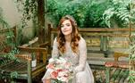 Titi Müller, por sua vez, é um exemplo de noiva totalmente diferentona. Ela se casou em 2019, com direito a duas cerimônias. Na celebração oficial, optou por tênis cinza claro - que não era All Star - combinado com saia longa lisa e cropped rendado de mangas longas