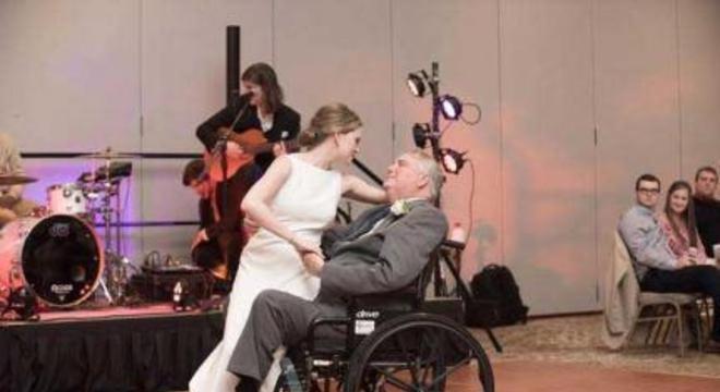 Noiva e pai com doença terminal