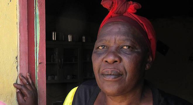 Nokubonga foi chamada de 'mãe leoa' pela imprensa local por ter protegido a filha