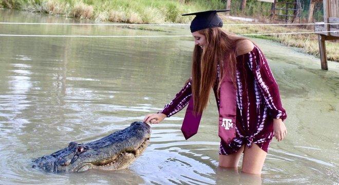 Aos 21 anos, Makenzie Noland trabalha em um centro de salvamento de animais