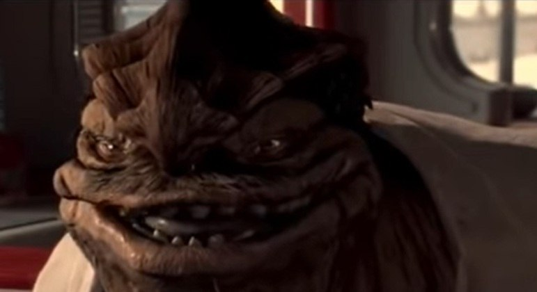 Nome do personagem: Dexter Jettster - Filme: Ataque dos Clones (2002) - Dono do Dex's Diners em Coruscant, amigos de Obi-Wan Kenobi com informações importantes.