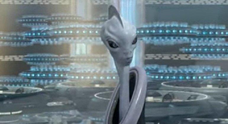 Nome do personagem: Lama Su - Filme: Ataque dos Clones (2002) - Primeiro ministro de Kamino, acompanhou e realizou a criação de soldados clones para a República.