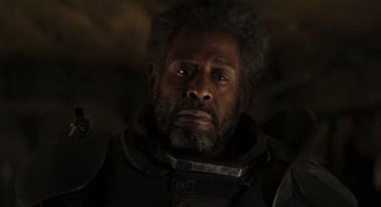 Nome do personagem: Saw Gerrera - Filme: Rogue One (2016) - Um rebelde lutando durante todas as Guerra Clônicas, é conhecido pelas suas ações extremas na luta pela liberdade.