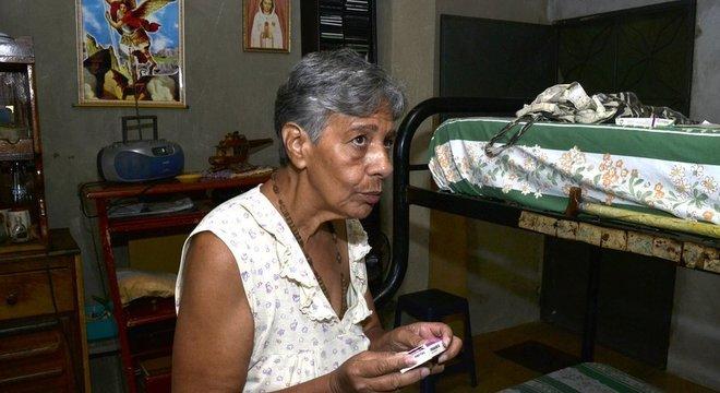 Norma guarda o dinheiro da aposentadoria para comprar remédios