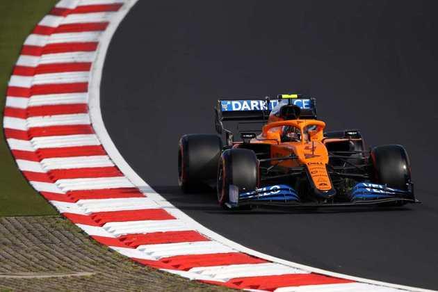 Norris larga na oitava colocação ficando só 0s005 atrás do companheiro Sainz: 1min17s525