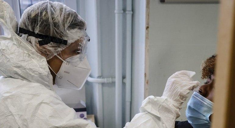 Vírus foi detectado em pessoas que estiveram no Reino Unido