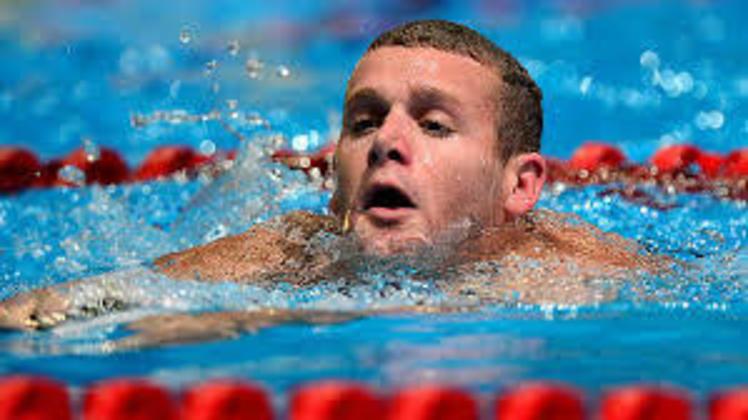 Nos 200m costas, o recorde olímpico é de outro nadador norte-americano. Tyler Clark terminou a prova com o tempo de 1min53s41 na edição de Londres, na Grã-Bretanha, em 2012.
