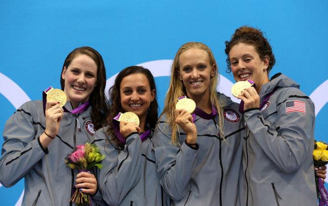 Nos 4x100m medley, a equipe dos Estados Unidos bateu o recorde em Londres 2012. O feito foi obtido pelo quarteto Missy Franklin, Dana Vollmer, Rebecca Soni e Allison Schmitt.