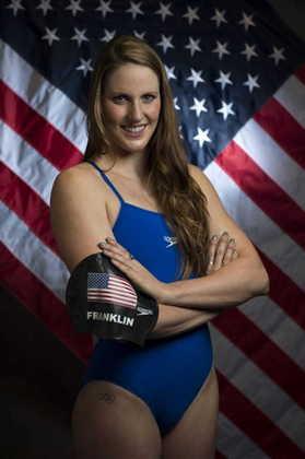 Nos 4x200m livre, a equipe dos Estados Unidos bateu o recorde em Londres 2012. O feito foi obtido pelo quarteto Missy Franklin (foto), Dana Vollmer, Shannon Vreeland e Allison Schmitt.