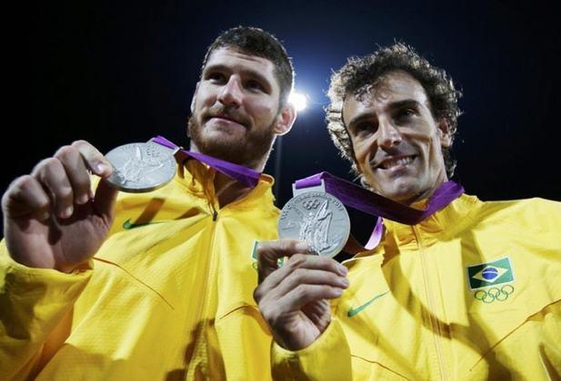Nos Jogos de Londres, em 2012, a dupla Emanuel e Alison ficou com a prata no vôlei de praia masculino. Na final, eles caíram diante dos alemães Brink e Reckermann.