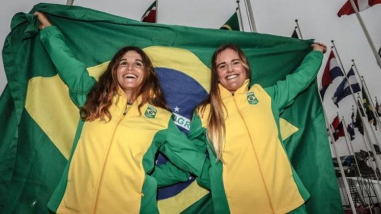 Nos Jogos do Rio de Janeiro, em 2016, Martine Grael e Kahena Kunze tornaram-se as primeiras velejadoras brasileiras a conquistar o ouro olímpico. A façanha ocorreu na Classe 49erFX.