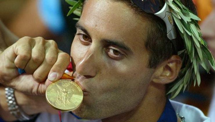 Nos Jogos Olímpicos de Atenas, em 2004, o velejador Gal Fridman foi o primeiro colocado na classe mistral, conquistando o único ouro de Israel até hoje na história das Olimpíadas.