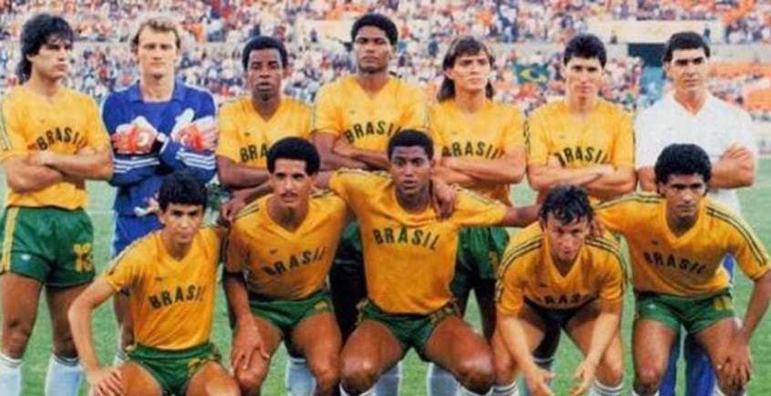 Nos Jogos Olímpicos de Seul, na Coreia do Sul, em 1988, o futebol brasileiro voltou a ser medalha de prata. A equipe, que tinha entre seus destaques Romário, perdeu para a União Soviética na final.