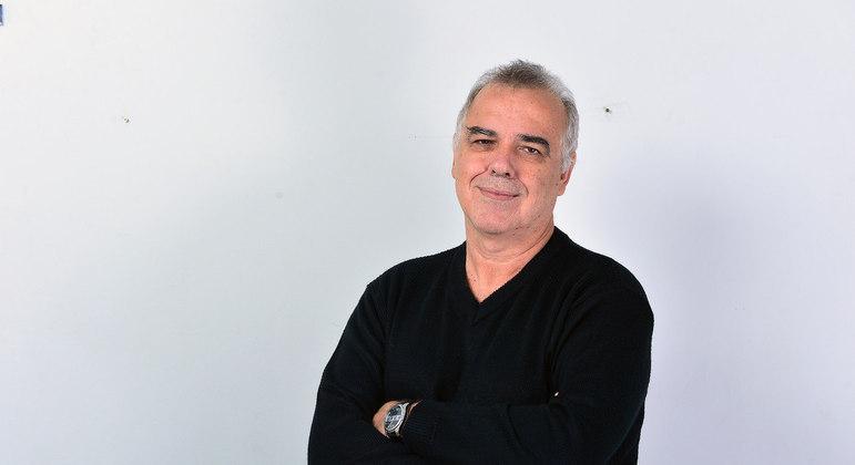 O jornalista Domingo Fraga morreu neste sábado (12), em São Paulo