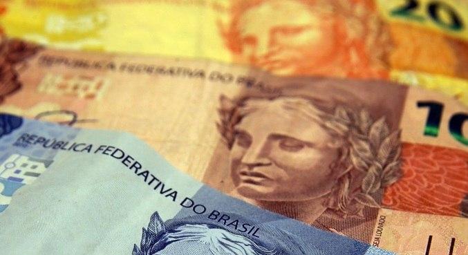 Salário mínimo poderá ter maior aumento em cinco anos com impacto da alta da inflação