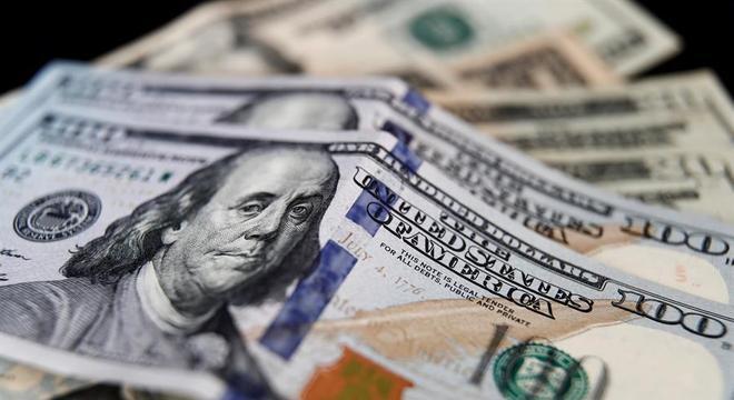 O dólar registrou queda de 0,08%, a R$5,3855