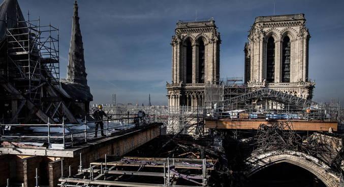 Reconstrução de Notre-Dame enfrenta dificuldades