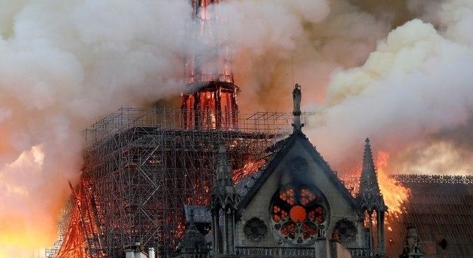 Em 2019, mundo assistia catedral ser consumida pelas chamas