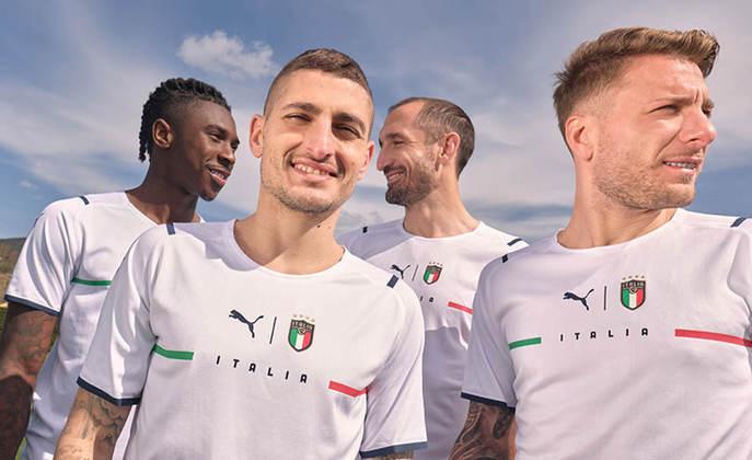 Nova camisa 2 da Itália