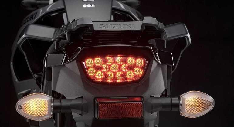 Motocicleta terá lanternas em LED