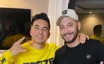 Mas, não foi só Neymar que tatuou o Goku! O amigo inseparável, Gil Cebola, também fez desenhou o anime no corpo