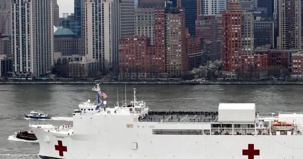 Governador de Nova York diz que 'tsunami' de covid-19 está chegando