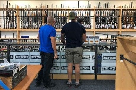Neozelandeses estão entregando suas armas