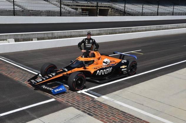 Novato, Oliver Askew, #7, da McLaren, é o 21º