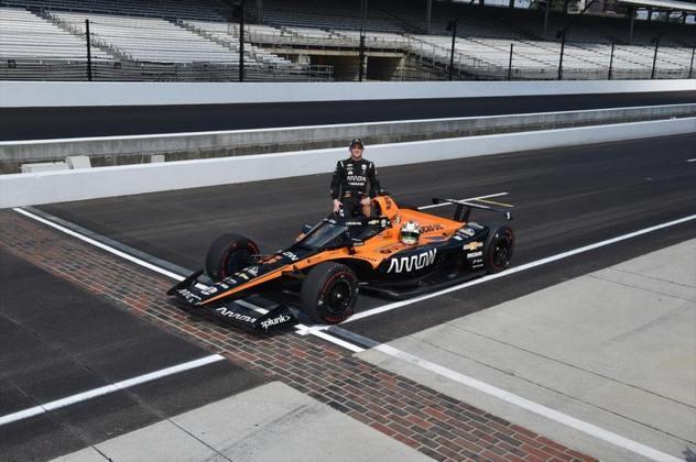 Novato, Pato O'Ward, #5, da McLaren, é o 15º