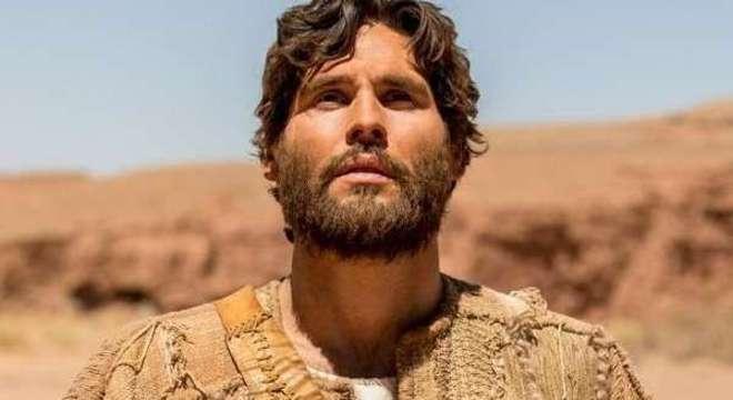 Jesus pede para que os leprosos se mostrem aos sacerdotes e eles são curados