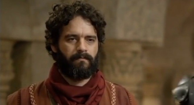 Influenciado pelo Satanás, Judas Iscariotes rouba duas moedas