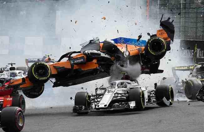 Novo acidente assustador para Alonso, agora em Spa-Francorchamps