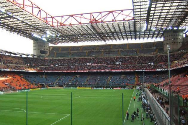 Novo Estádio de Milão: Milan e Inter de Milão - Capacidade: 60.000 - Previsão de entrega: 2023.