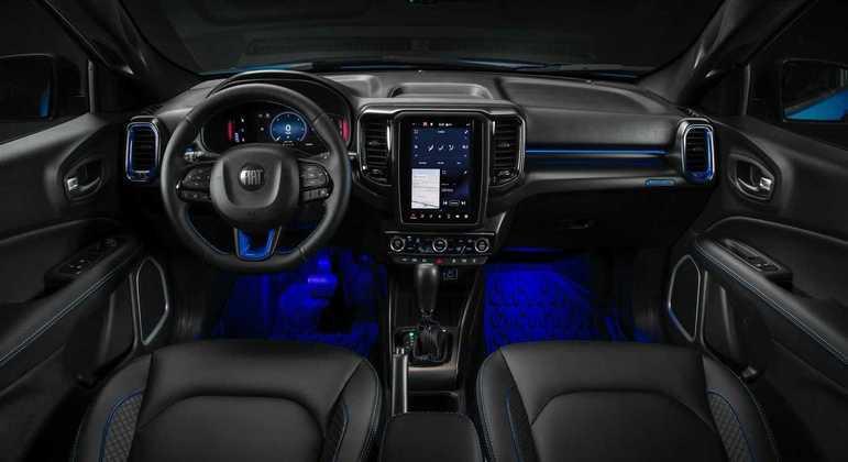 Interior conta com tela 8,5 polegadas inspiradas nas do Dodge Durango SRT